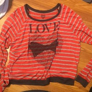 Long sleeve Love tee shirt